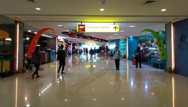 Bandara Bali Dekat Laut