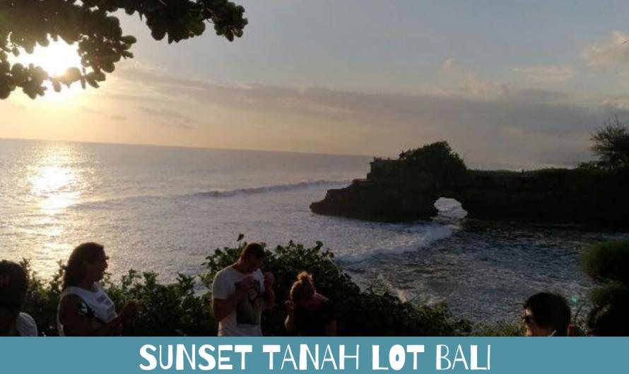 Sunset Tanah Lot Bali Tempat Sepasang Kekasih