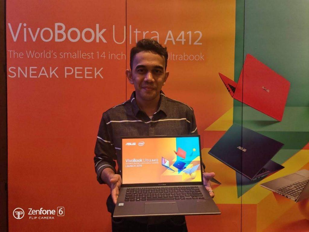 laptop paling kecil dunia