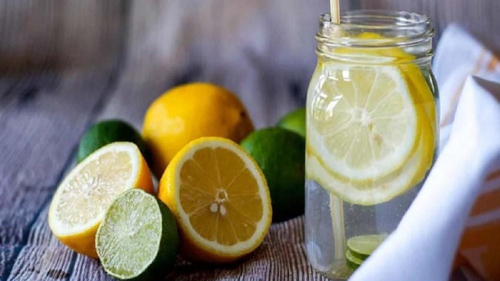 Minum Lemon Perah Pagi Hari Bisa Atasi Sakit Lambung dengan Cepat